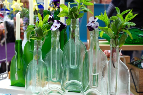 What a beautiful way to display mint and flowers from the garden. www.gloriousglasscreations.co.uk